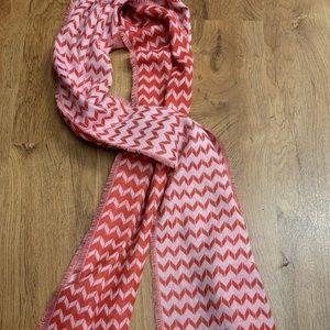 Reversible scarf!